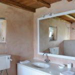 Building 4 masters bathroom b
